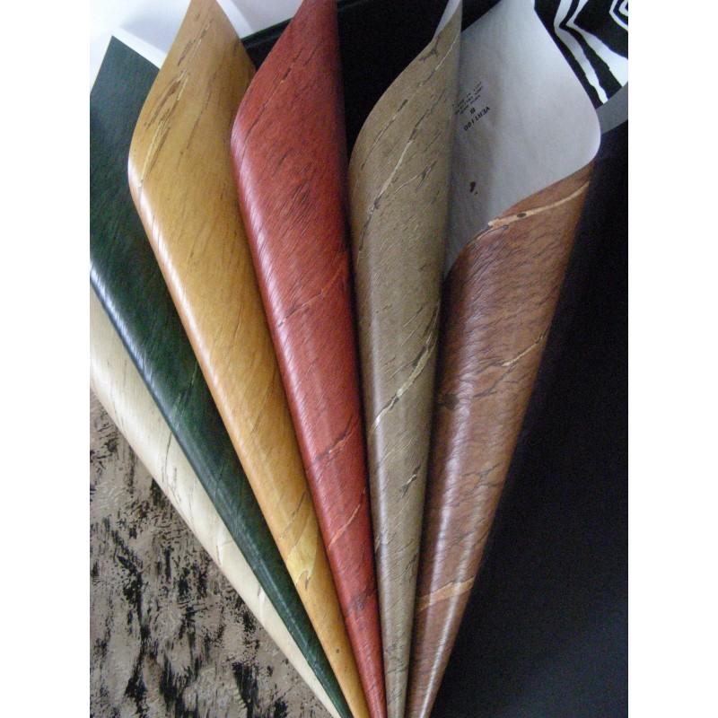 Muestra de papel pintado, cualquier modelo, color o textura.
